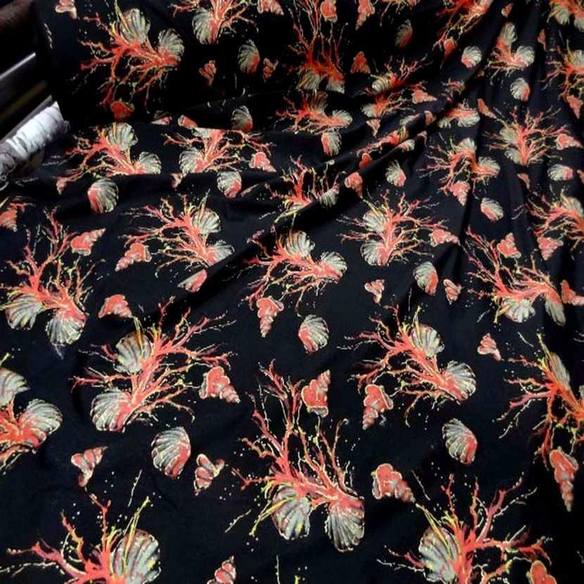 Lycra noir imprime coquillage corail lurex dore07
