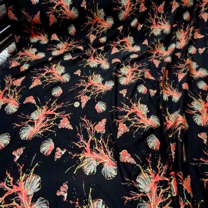 Lycra noir imprime coquillage corail lurex dore7