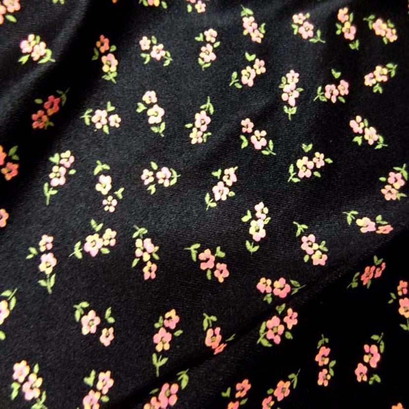 Lycra noir imprime petite fleurs5