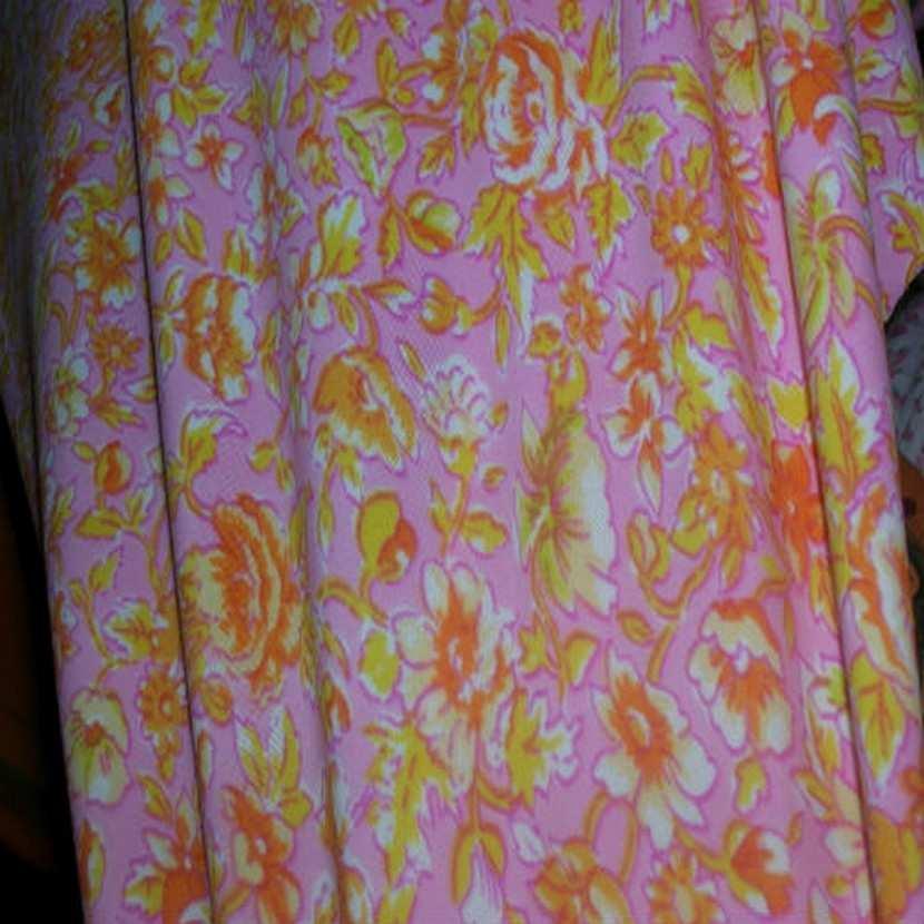 Lycra rose imprime fleurs jaune orange7