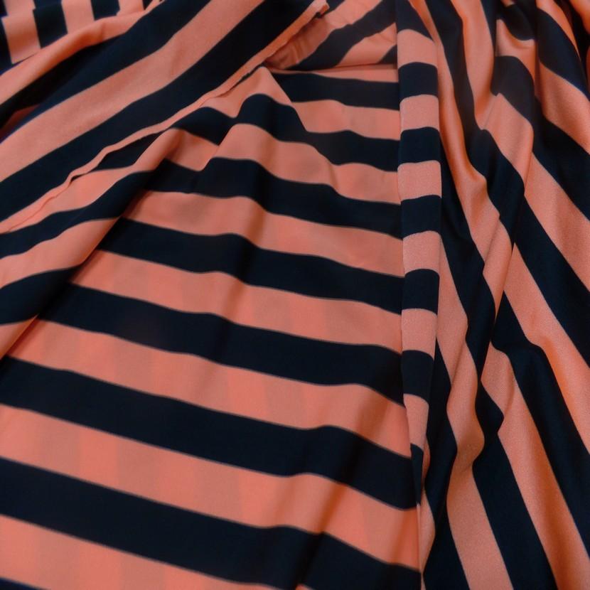 Lycra satine a rayure noire et orange6