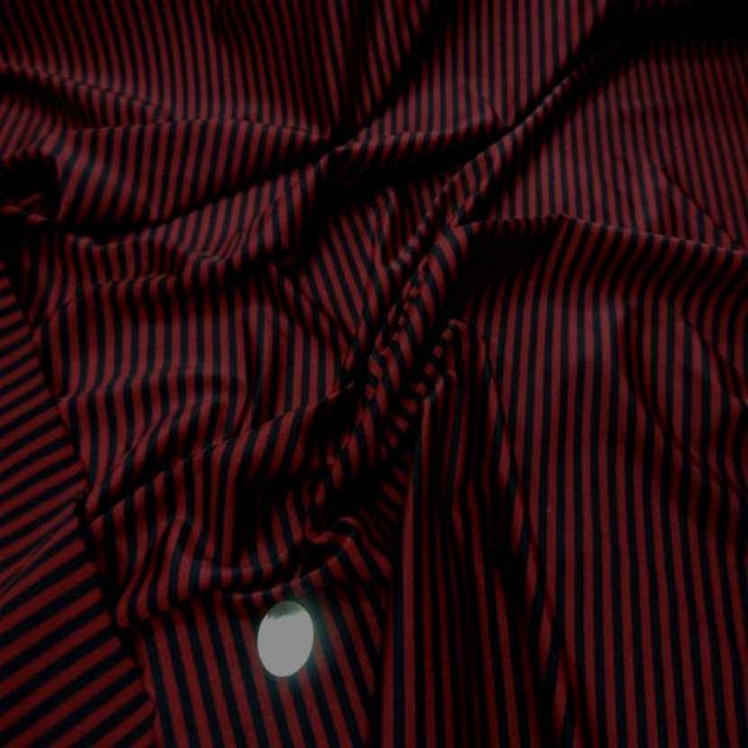 Lycra satine raye bordeaux noir