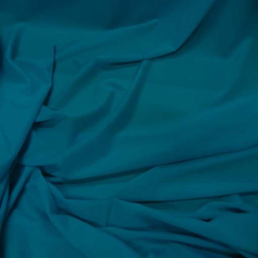 Lycra tres fin satine ton turquoise