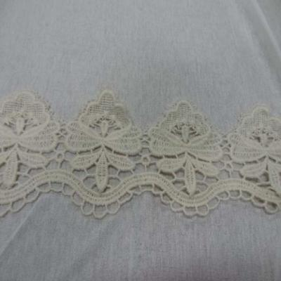 Macrame blanc casse aspect coton en 10cm de large