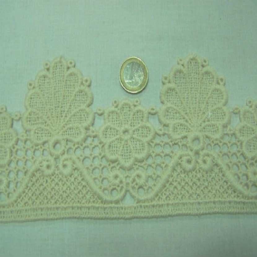 Macrame blanc casse aspect coton en 11cm de large0