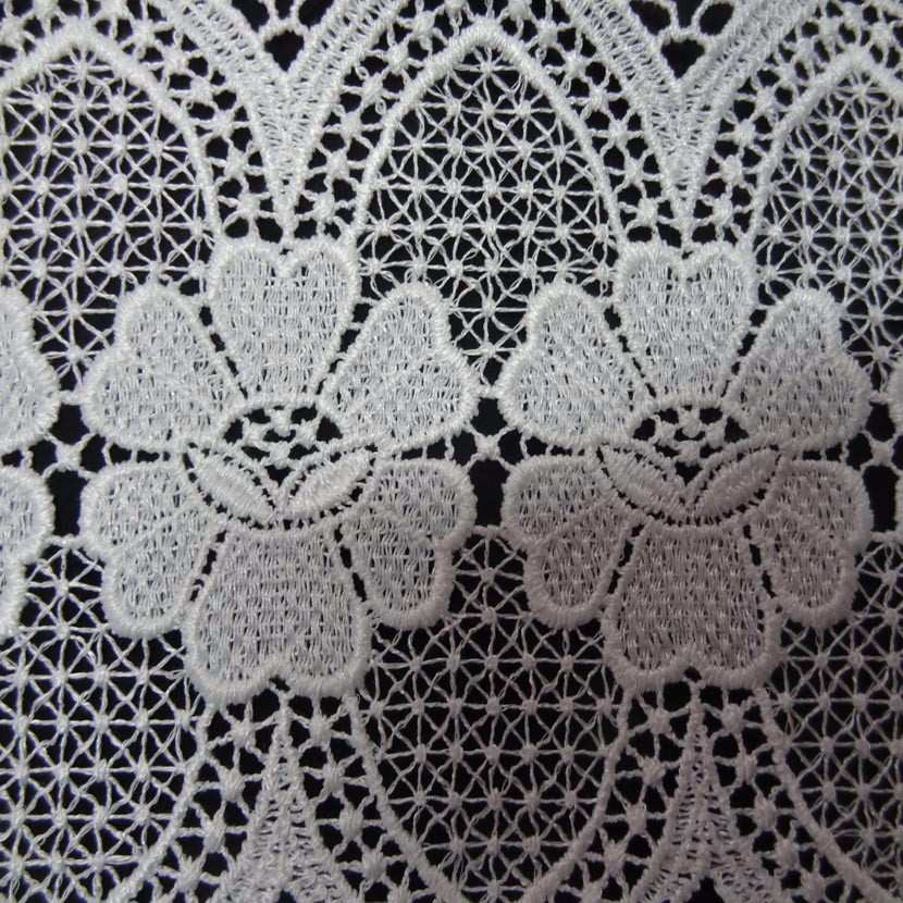 Macrame blanc motifs fleurs en 19cm de large0