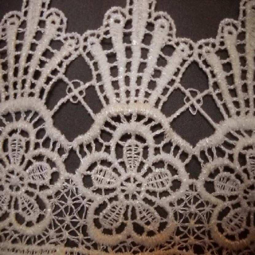 Macrame motifs floraux blanc casse en 10cm de large06