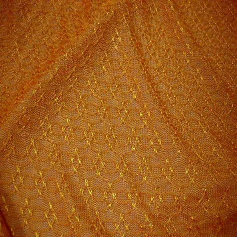 Maille brode ton jaune safran9