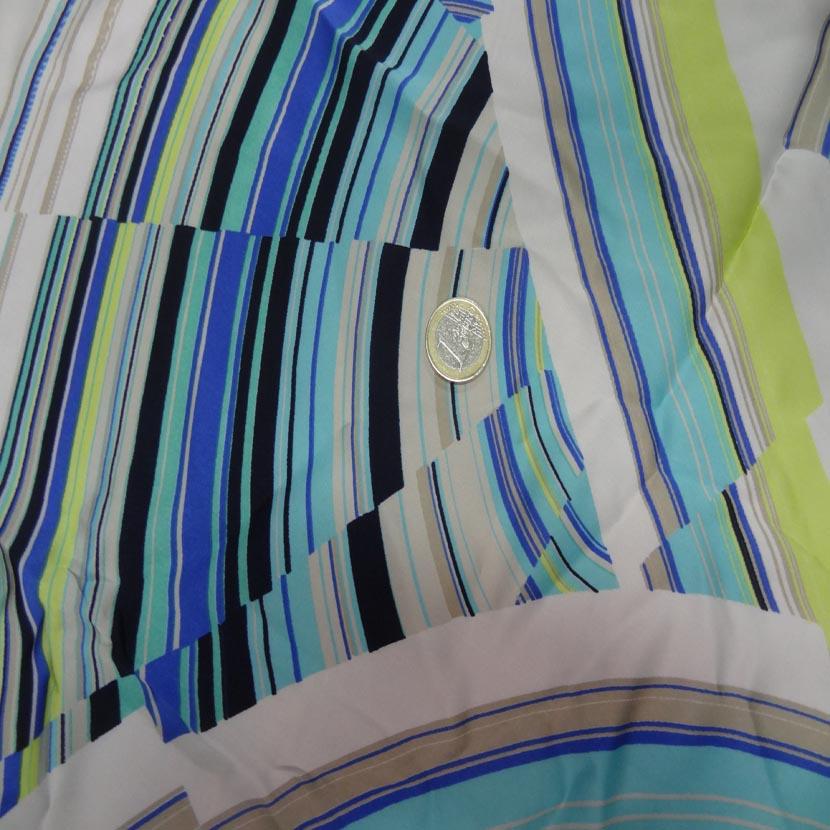 Microfibre blanche imprime ton anis bleu et noir4