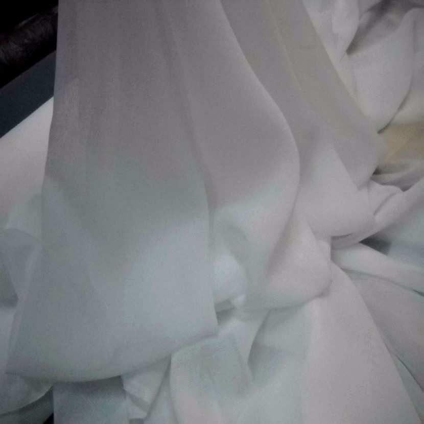 Mousseline blanche en polyester04