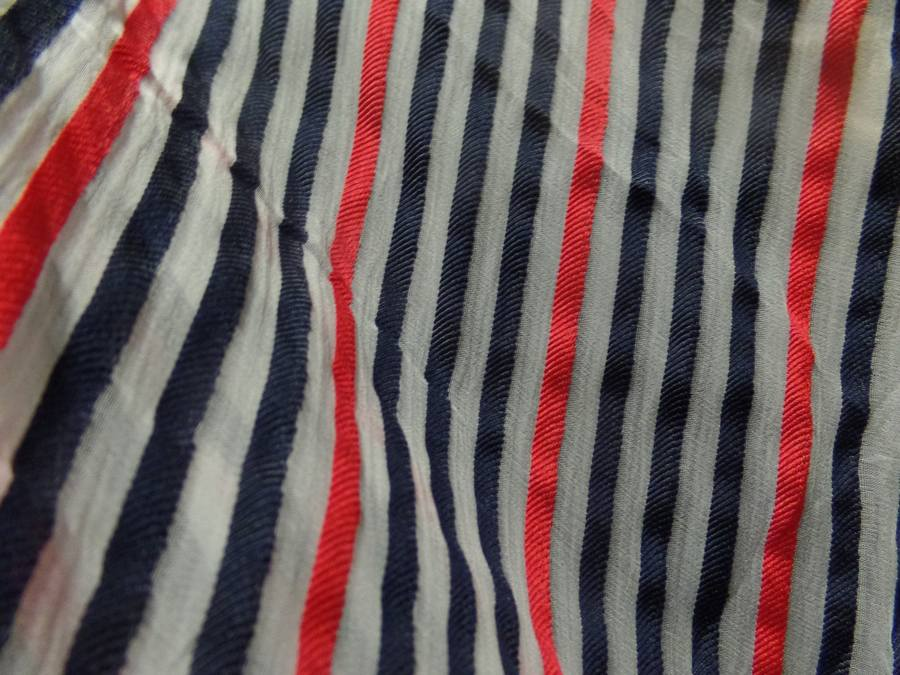 Mousseline de soie blanche devore bandes noire et rouge07