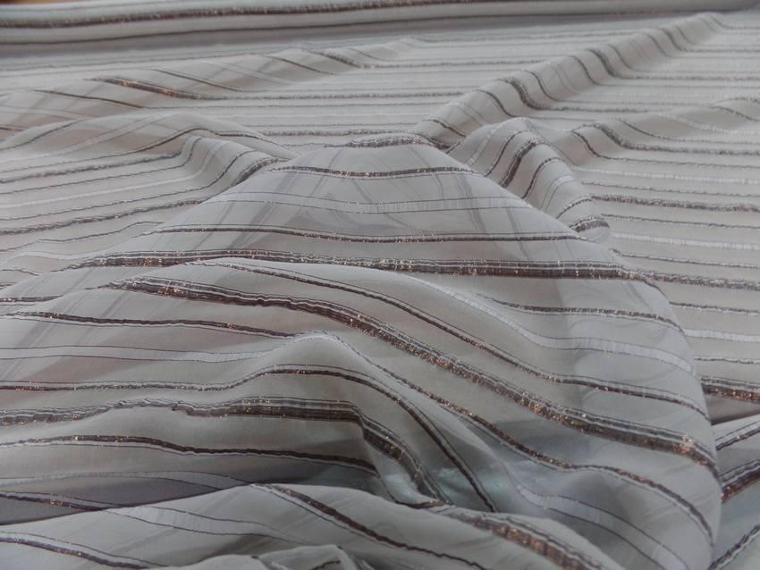 Mousseline de soie blanche faconne bandes lurex cuivre 8