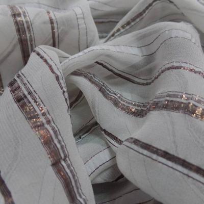 Mousseline de soie blanche faconne bandes lurex cuivre