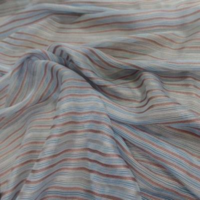 Mousseline de soie bleu a rayures gris marron