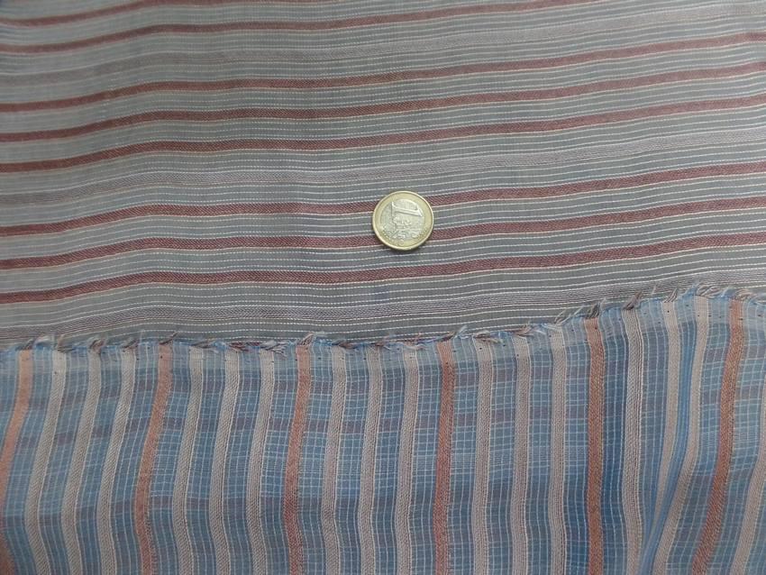 Mousseline de soie bleu a rayures gris marron5