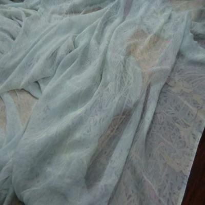 Mousseline de soie bleu ciel imprime