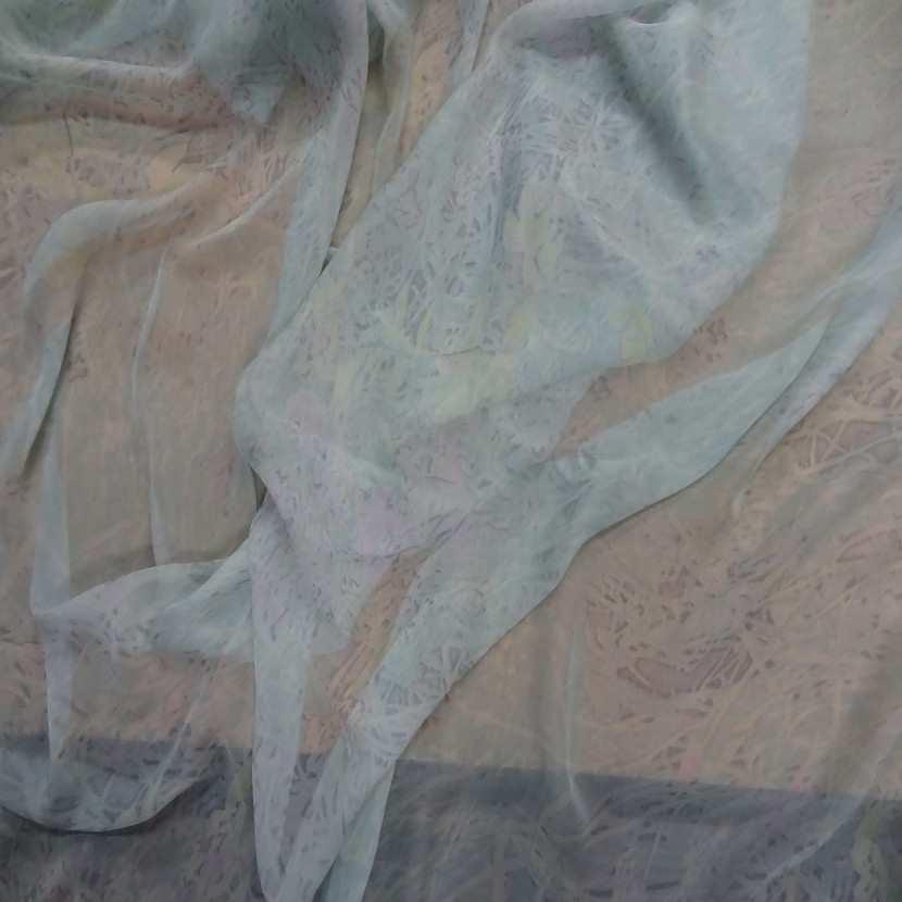 Mousseline de soie bleu ciel imprime0