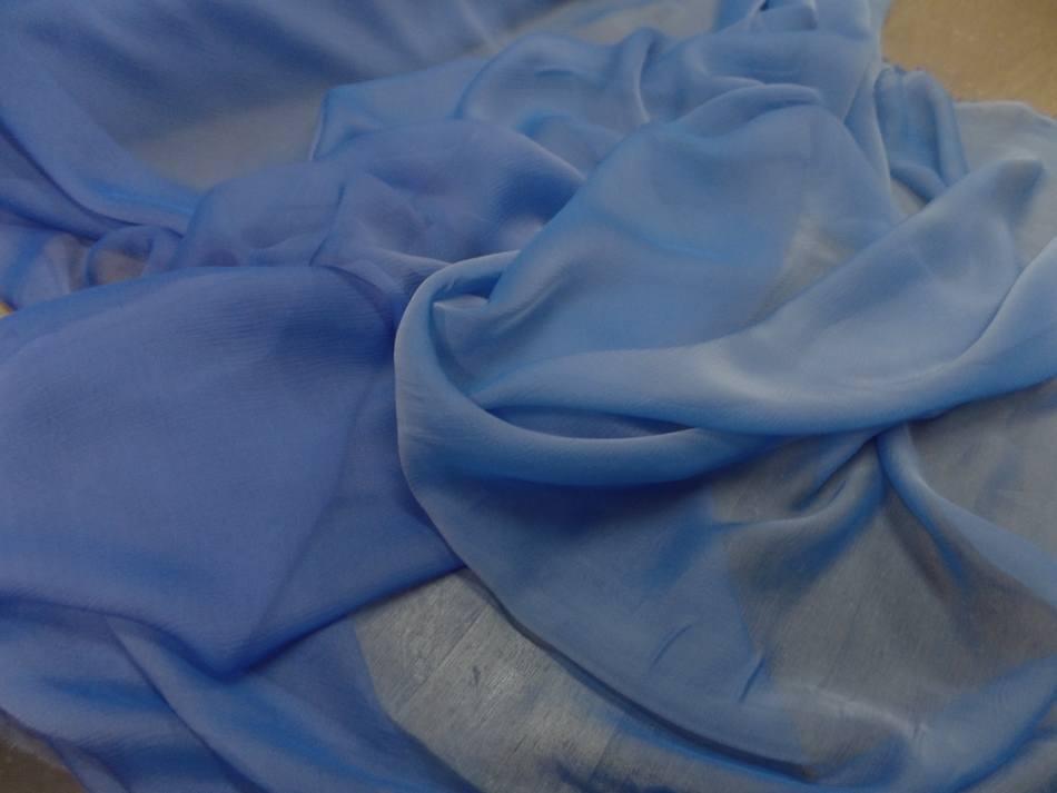 Mousseline de soie crepon bleu changeant en 1 20m de large