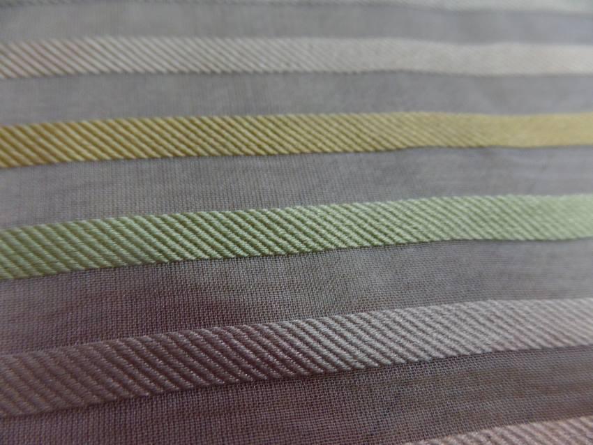 Mousseline de soie faconne bande ton beige dore vert clai8