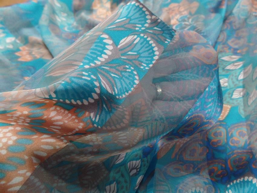 Mousseline de soie faconne bandes ton bleu