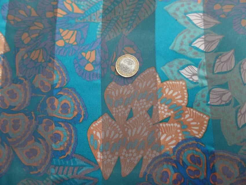 Mousseline de soie faconne bandes ton bleu7