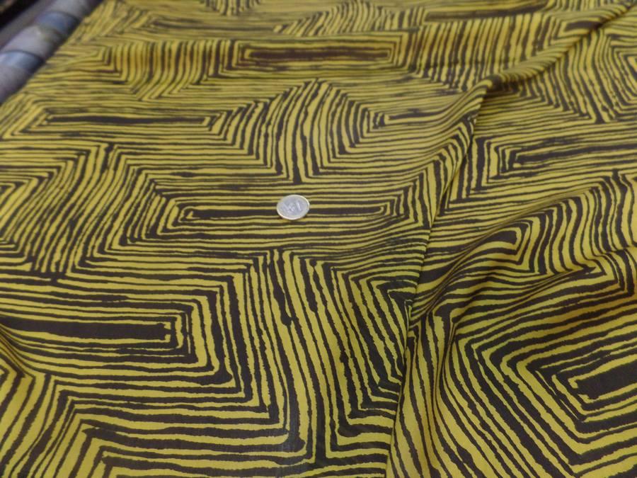 Mousseline de soie imprime marron et jaune7