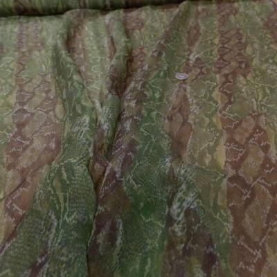 Mousseline de soie imprime serpentton kaki et marron