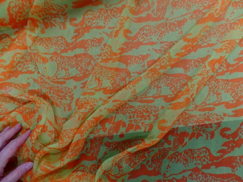 Mousseline de soie imprime vert anis et orange1
