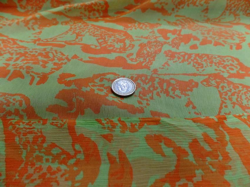 Mousseline de soie imprime vert anis et orange6