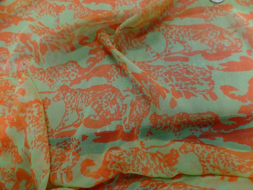 Mousseline de soie imprime vert anis et orange7