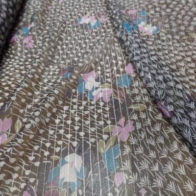 Mousseline de soie noire a bande lurex metal imprime fleurs6