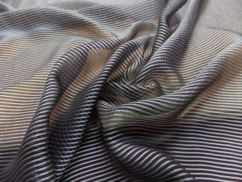 Mousseline de soie noire a rayures grise9