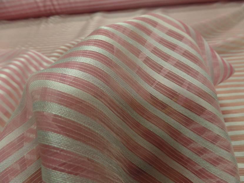Mousseline de soie rose faconne rayures blanche2