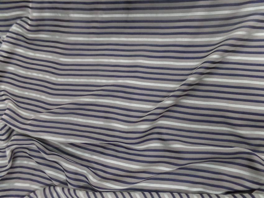 Mousseline de soie vert amade faconne bande ton bleu nuit4