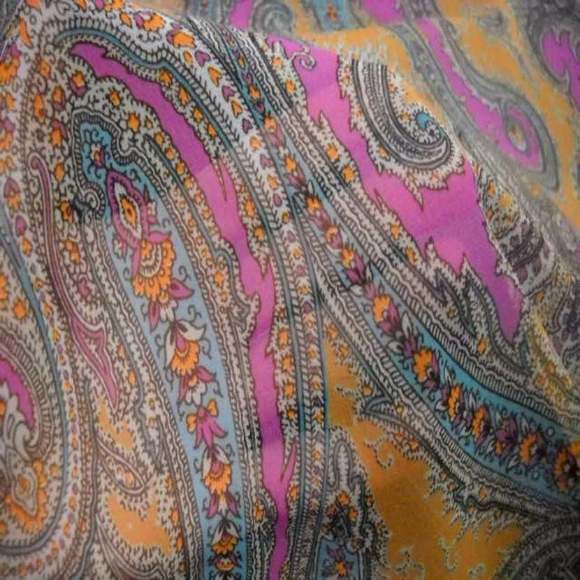 Mousseline imprime en polyester motifs cachemire5