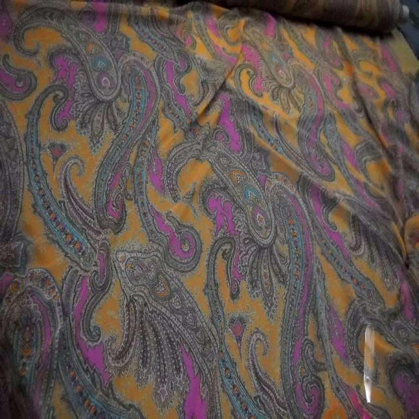 Mousseline imprime en polyester motifs cachemire6