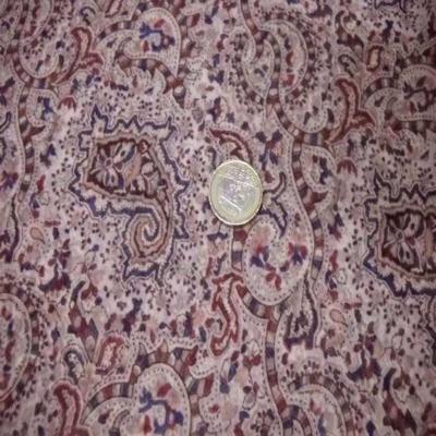 Mousseline imprime en polyester ton rose