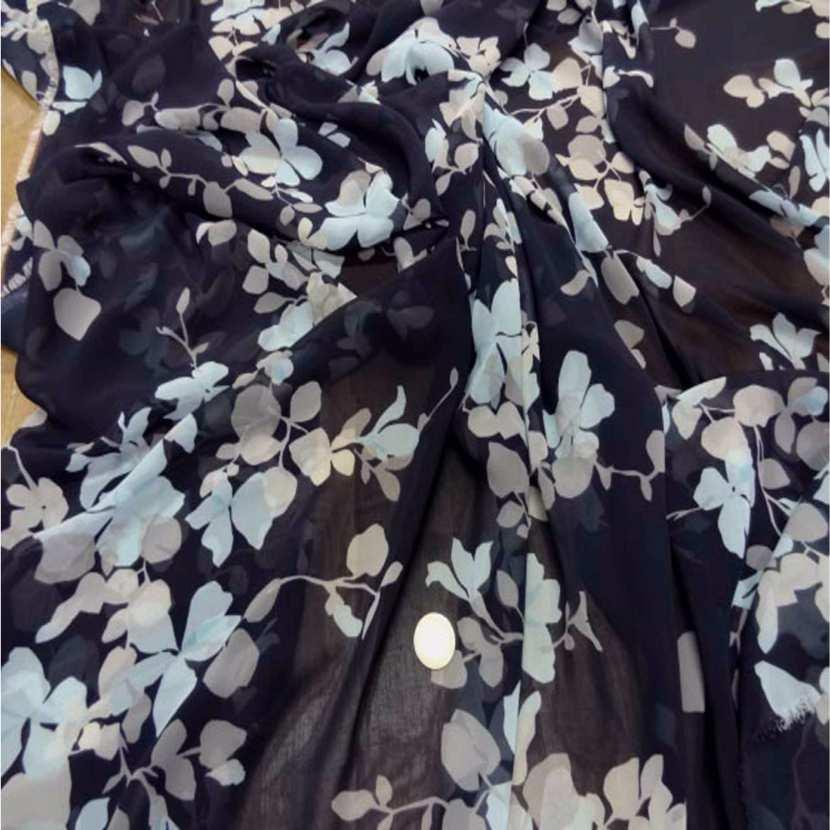Mousseline imprime fleurs ton bleu tres fonce1