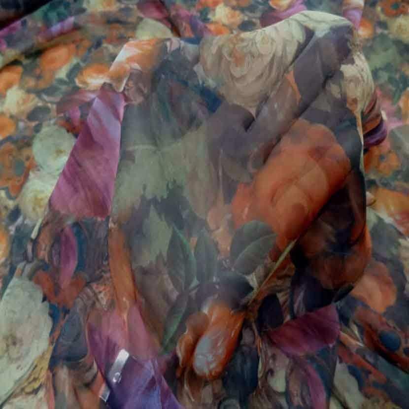 Mousseline imprime ton de terre motifs fleurs6