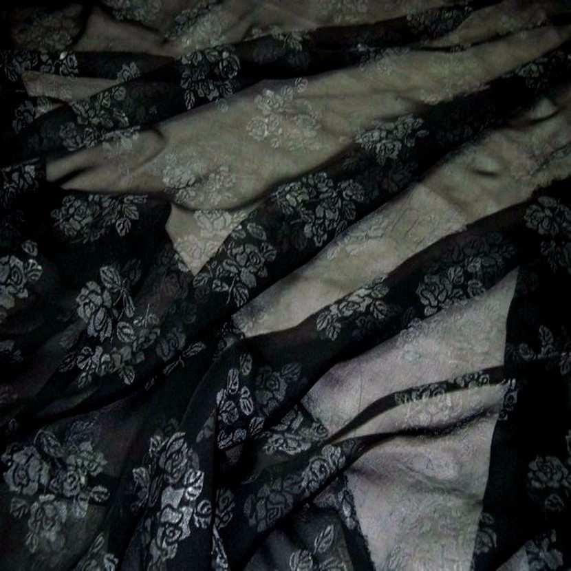 Mousseline ton noire imprime fleurs6
