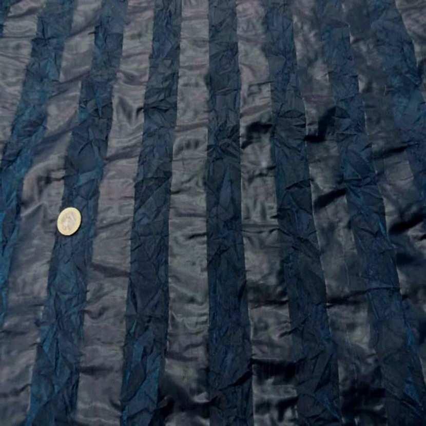 Organza a motifs bandes froisse permanent ton bleu canard3