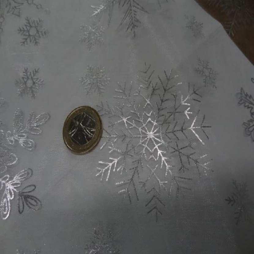 Organza blanc etoile des neiges couleur metal02
