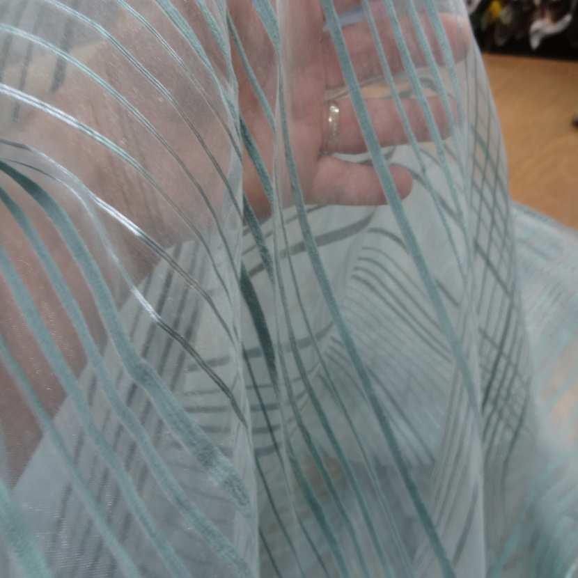 Organza bleu a rayures brodes en 2 90m de large plombe2