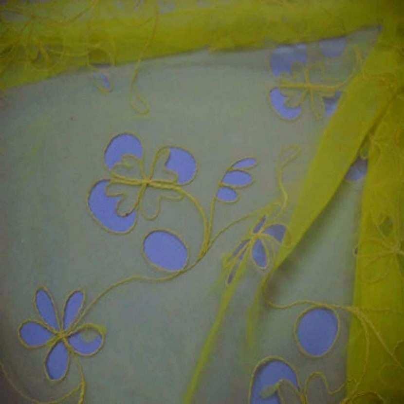 Organza ton jaune a motifs ajoures2