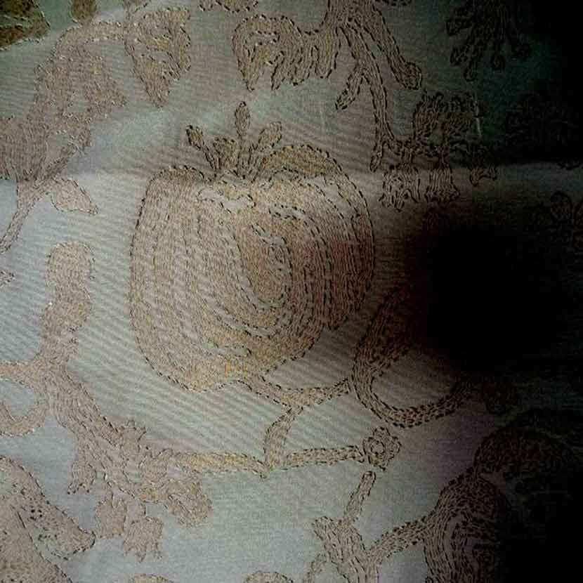 Ottoman 100 soie faconne double face ton beige dore3