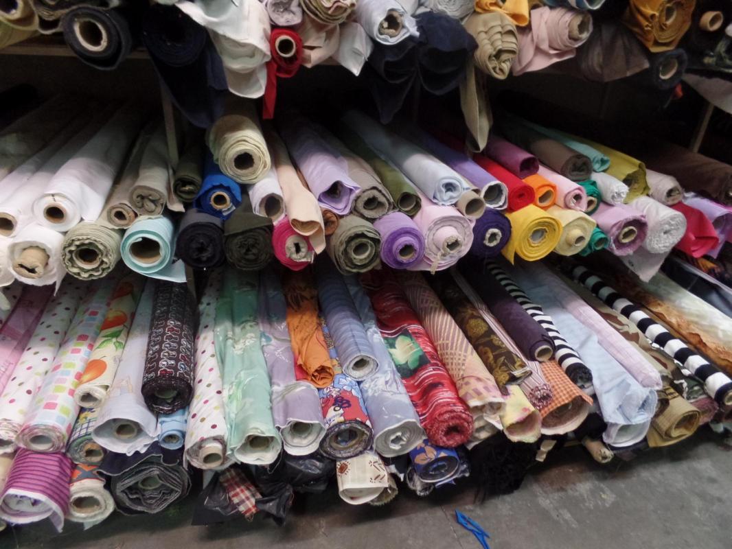Photos des tissus en coton pas cher a la caverne aux 1001 tissus sur marseille