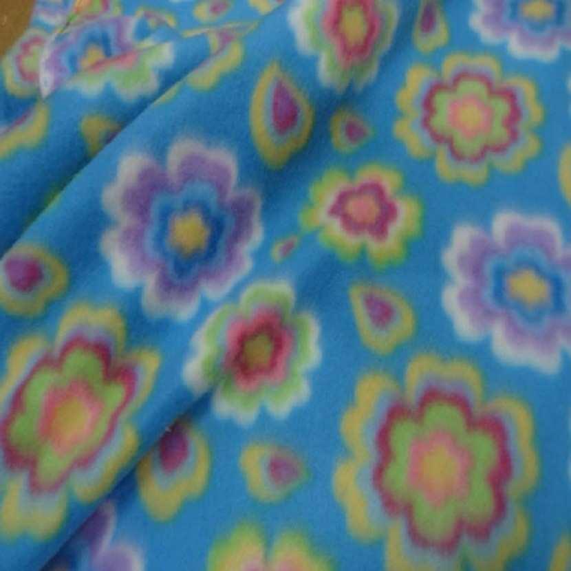 Polaire avec touche doudou bleu a motifs fleurs7