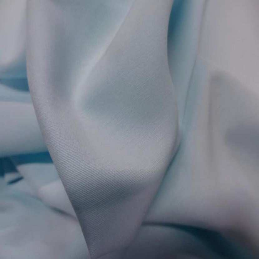 Polyester viscose bleu ciel