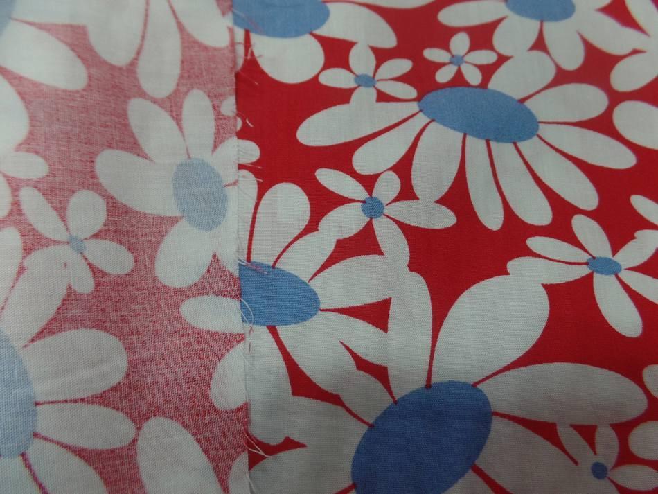 vente de Popeline 100% coton rouge imprimé fleurs blanche et bleu pas cher