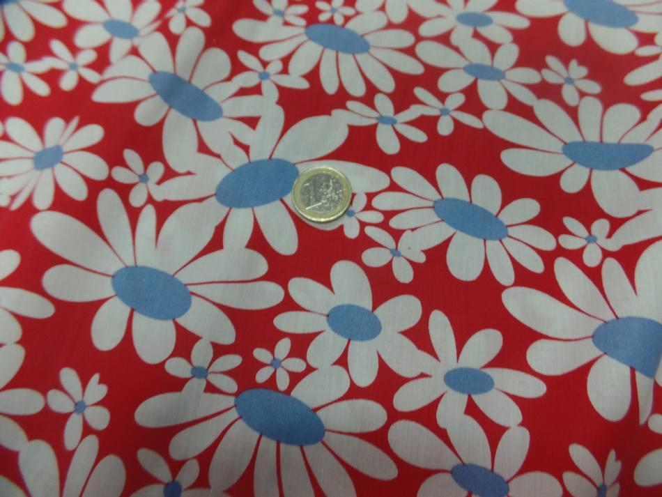 vente de Popeline 100% coton rouge imprimé fleurs blanche et bleu a Marseille